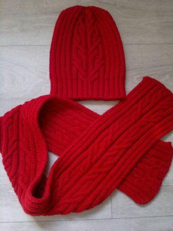 Вязаный комплект шапка и шарф ручной работы
