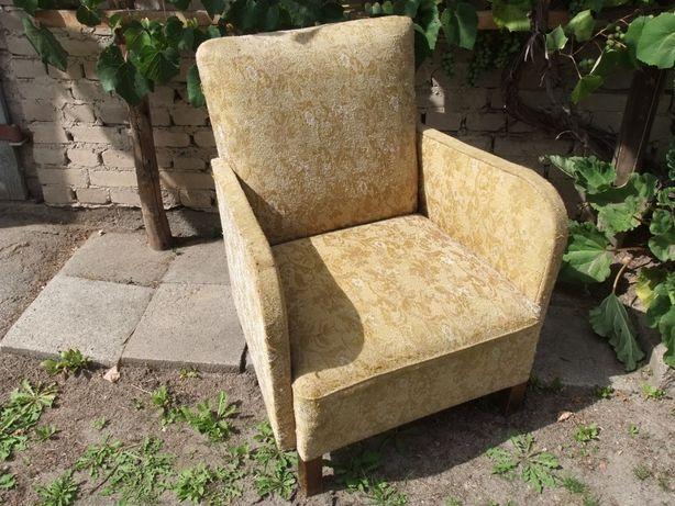 Stary Fotel salonowy - Antyk