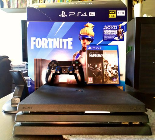 PlayStation 4 Pro / Gwarancja / GTA V, AC Origins