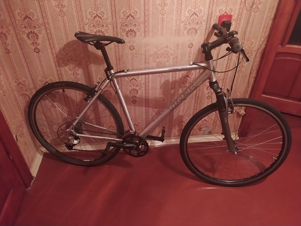 Срочно!Велосипед Trek 6400 гибрид 28 колеса Deore bergamont scott