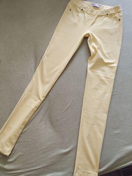 Żółte, elastyczne spodnie, jegginsy, legginsy, kieszenie, super, fajne