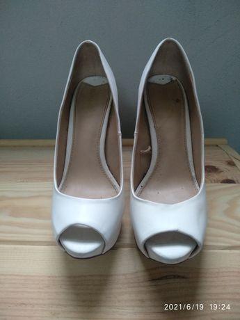 Sapatos brancos, 37