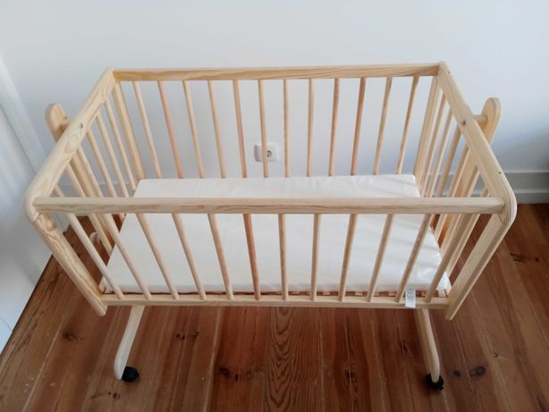 Berço de madeira + colchão (novos)