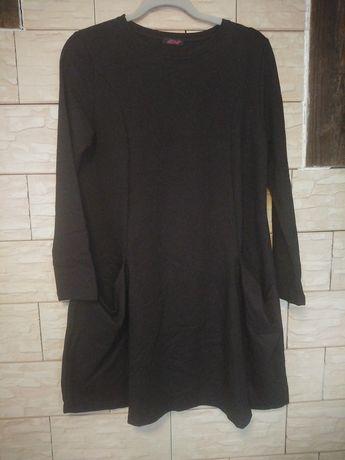 Sukienka dresowa z kieszeniami