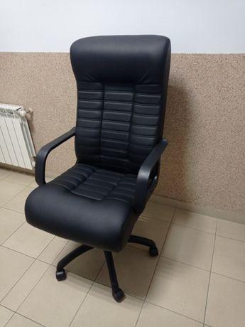 Крісло компютерне чорне