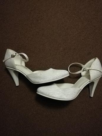 Buty ślubne r. 37