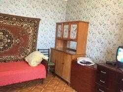 Продам 1 комнатную возле метро Героев труда  и Студенческая, Салтовка