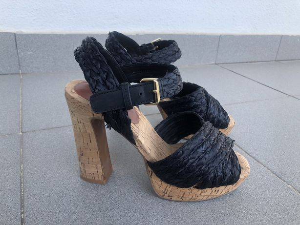 Sandálias pretas BIMBA & LOLA (tamanho 38)