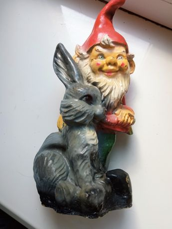 Статуэтка садовая Гном з зайчиком.