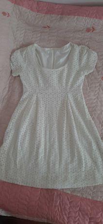 Biala sukienka firmy HM