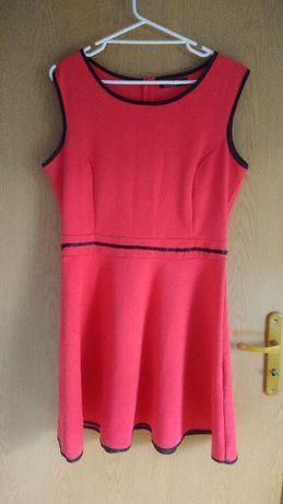 Rozkloszowana sukienka czerwona XXL
