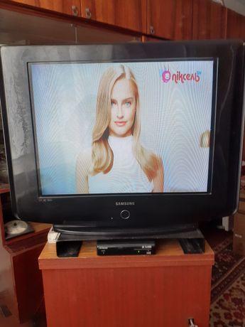 Продам телевізор Samsung CS29Z58HPQ з приставкою Т2 Strong SRT 8502