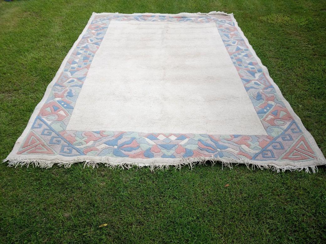 Dywany wełniane duze