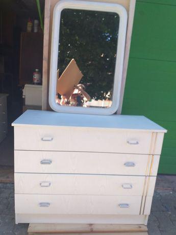 Comoda  branca 7 com espelho em madeira com muita arrumacao