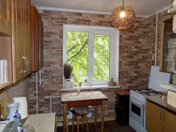 Продается комната в 3-комнатной квартире.