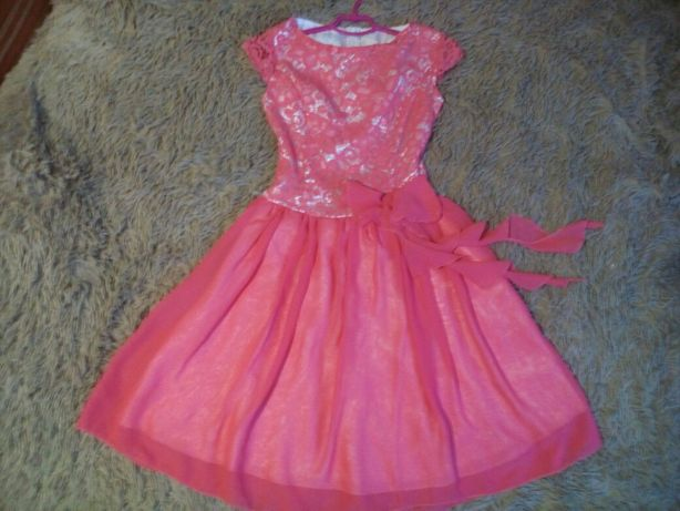 Платье кораловое для девочки 8-10лет