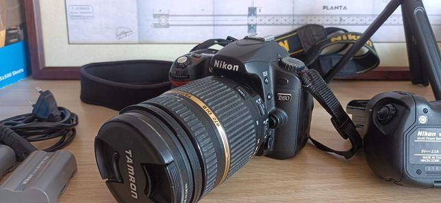 Nikon D80 + 2 Lentes + Punho + 4 Baterias (Originais) +  Extras