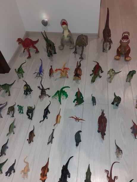 Duża kolekcja dinozaurów 102 sztuki