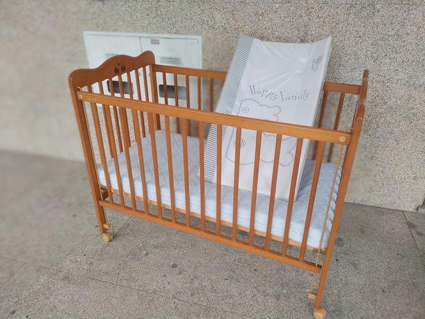 Cama de grades de bebé