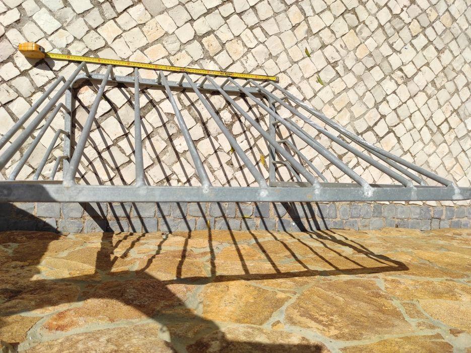 Comedouro em Aço galvanizado 80CM Castro Marim - imagem 1