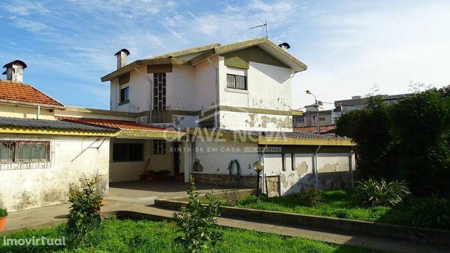 Moradia Geminada, com terreno em Perosinho, V.N.Gaia
