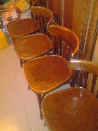 деревянні крісла