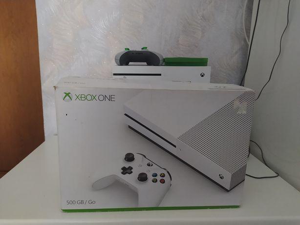 Продаю Xbox one s 500Gb