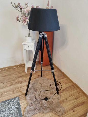 Nowoczesna Lampa trójnóg metal drewno podłogowa czarna
