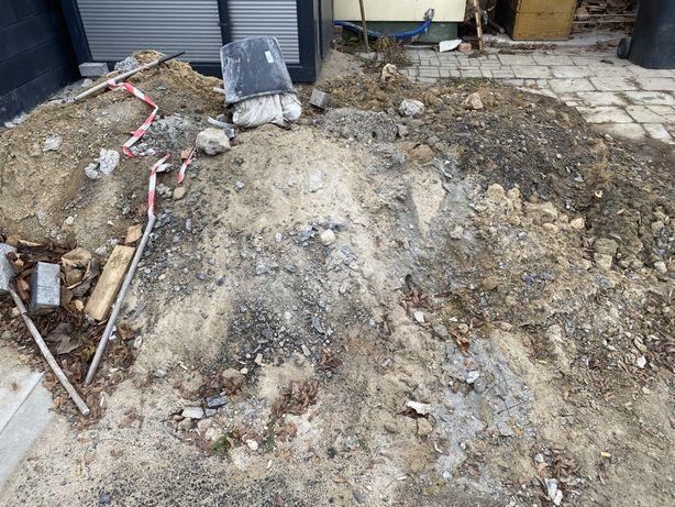 Oddam ziemię z gruzem, podsypką betonową