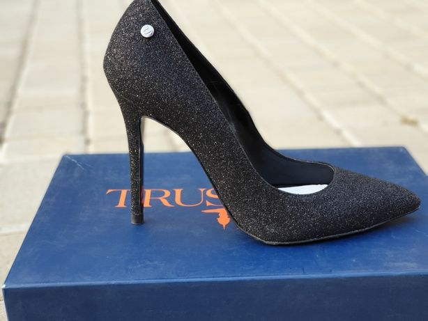 Туфли Trussardi 38 оригинал