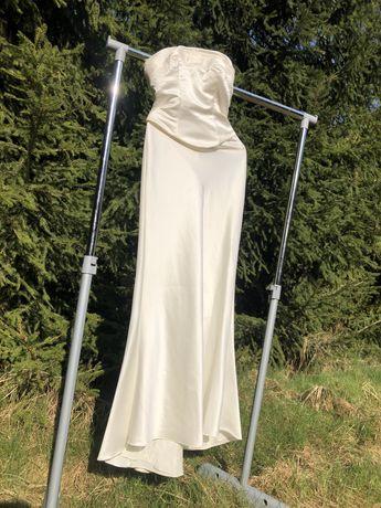 elegancka suknia ślubna satyna modna ślub
