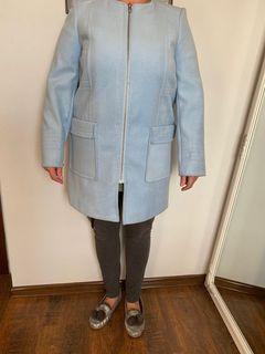 светло голубое кашемировое пальто, размер 52, новое!