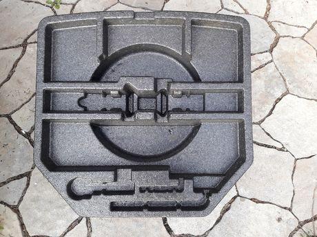 Wkład bagażnika styropianowy Toyota Avensis T27