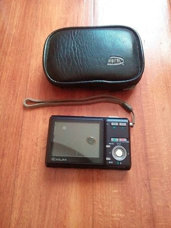 Цифровой фотоапарат casio