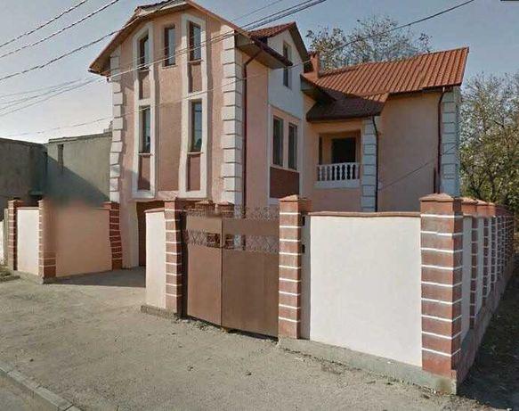 Продам современный трехэтажный дом на Чубаевке. 1A15