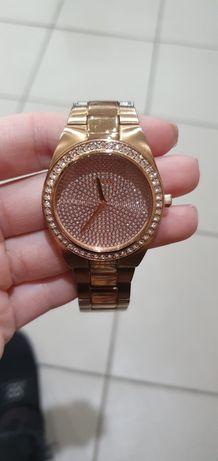 Часы guess w12651l1
