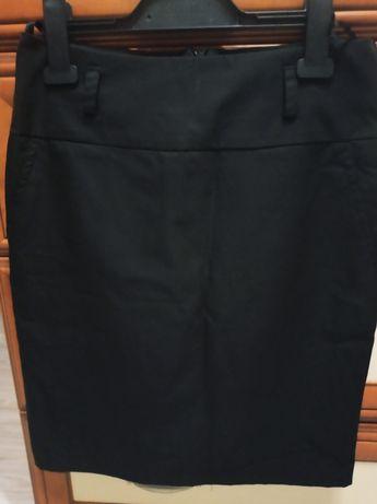 Elegancka czarna spódnica do pracy