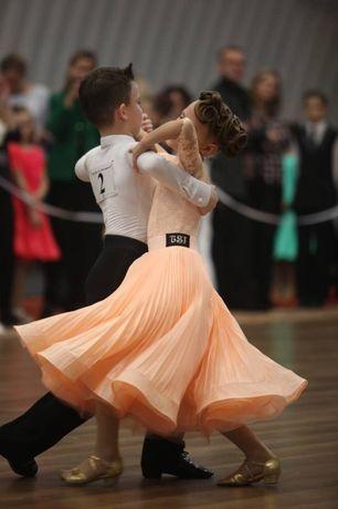 Продам рейтинговое платье бейсик с двумя юбками, ткань DSI 128-134