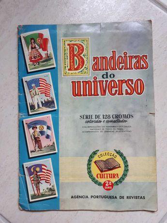 Caderneta antiga e completa de cromos Bandeiras do Universo