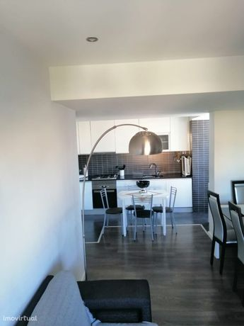 Apartamento T2- Remodelado, centro das Paivas - Amora