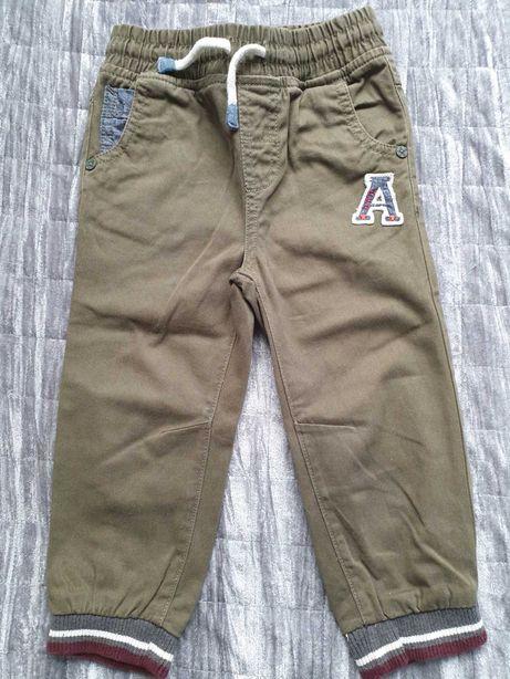 Spodnie materiałowe Topomini rozmiar 92