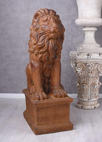Figura Rzeźba Lwa siedzącego w kolorze brązowym pyac037