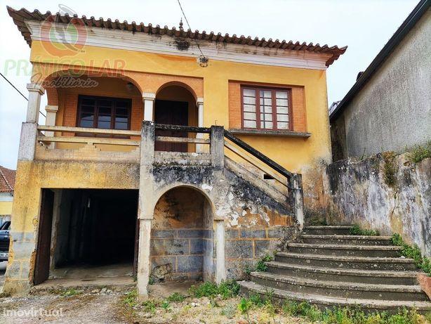 Moradia antiga para recuperar na Amoreira da Gândara
