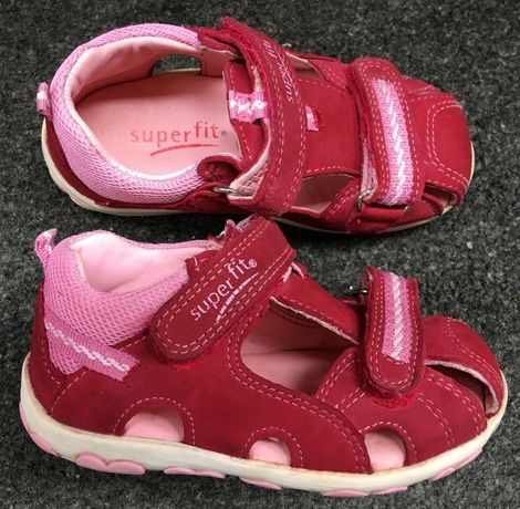 SUPERFIT sandały Fanni R.22 świetne zakryte sandałki, półbuty skórzane