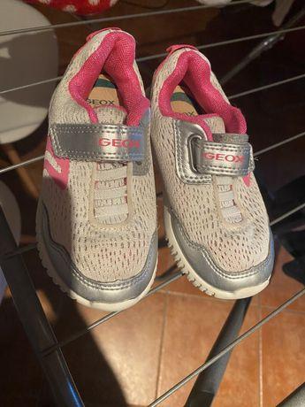 Sapatos rosa h&m em 25 e geox adidas havaianas skechers