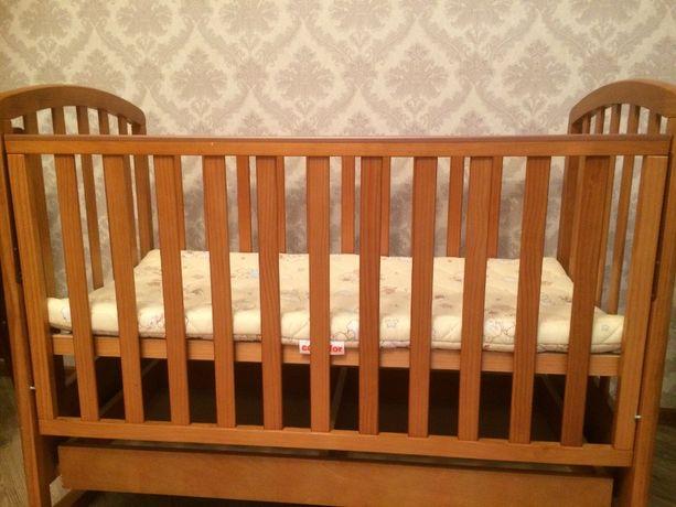 Продам кроватку деревянную с матрасом Верес (пеленатор в подарок)