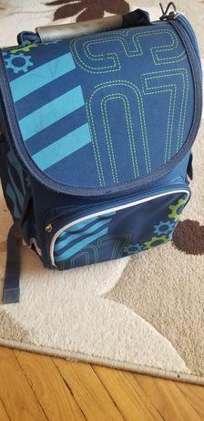 Рюкзак шкільний  синього кольору