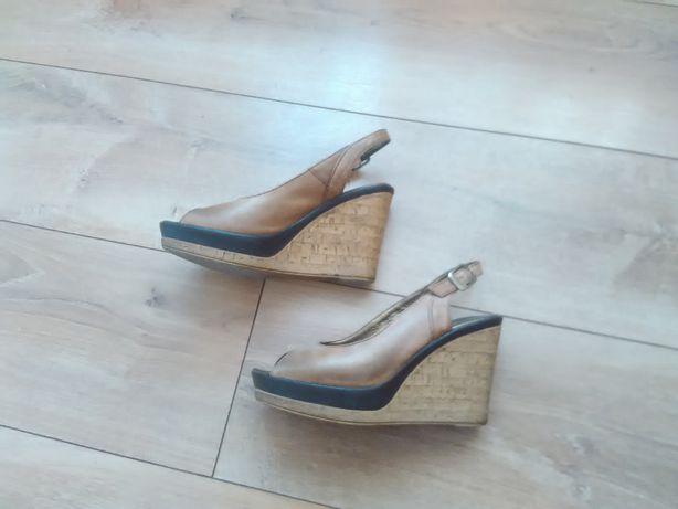 sandały na koturnie skórzane 36, wkładka 23cm