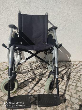 Vendo cadeira de rodas