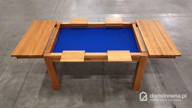 Piękny stół rozkładany do gier planszowych lub karcianych